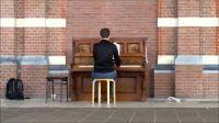 Deel je talent op de  Piano, wij luisteren heel graag.